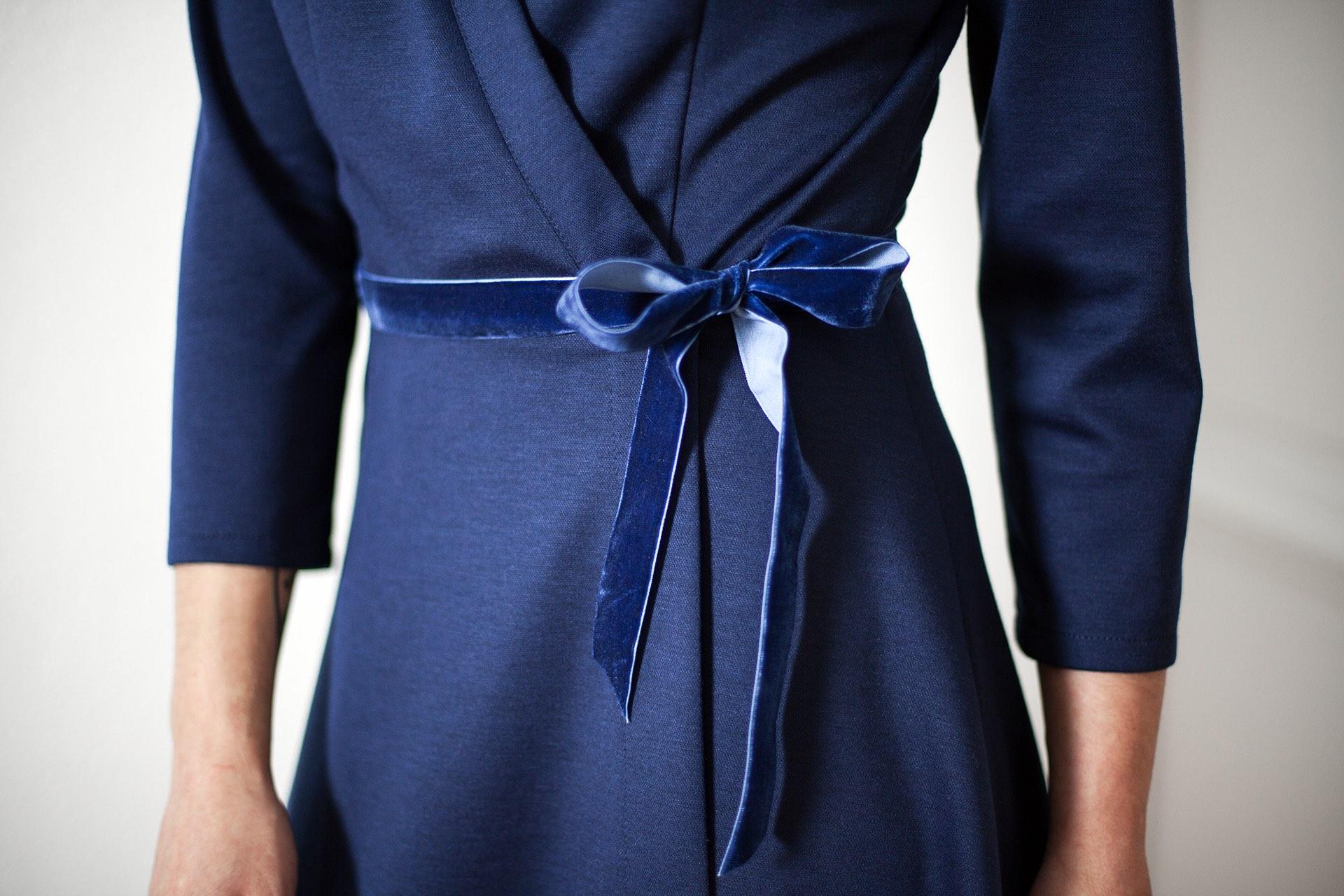 Robe marine Valentine Aurore Gwladys
